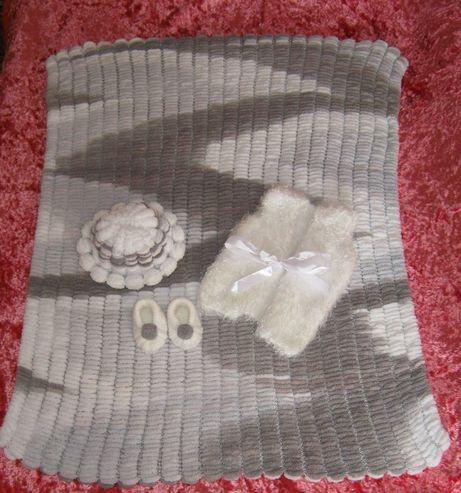 Топли зимни бебешки комплекти - ръчна изработка