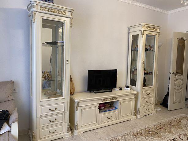 Мебель для гостинной горка за полцены
