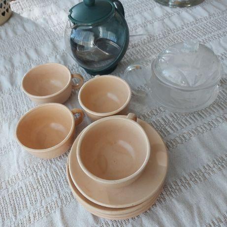 Чашки за кафе, каничка и захарница - 7,00лв.