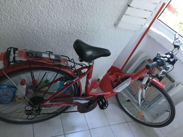 Bicicleta de dama 700 lei