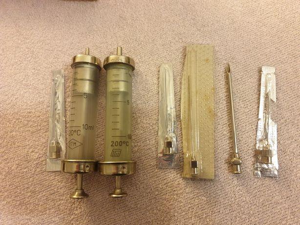 Set seringi medicale vechi sticla și ace medicale din RDG vintage