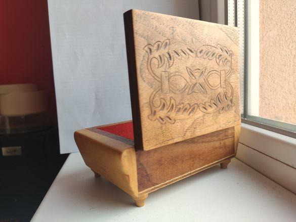 Кутийка за бижута