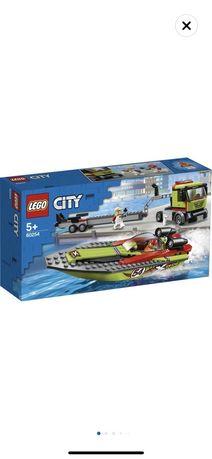 Продавам чисто ново lego city 60254- състезателни лодки