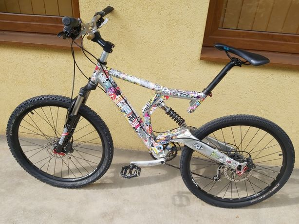 Vand bicicleta, mtb, full suspension.
