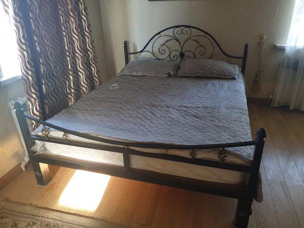 Продается кровать железный