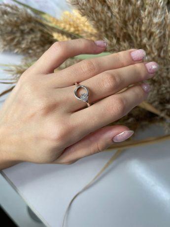Кольцо 16р. серебрянное с подвижным кристаллом 925