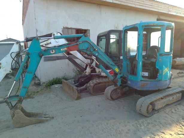 Inchiriez miniexcavator.Lucrari mini excavator.Sapaturi miniescavator.
