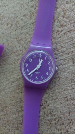 часовник Swatch с дълга каишка