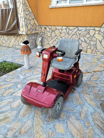 Инвалидна електрическа количка STERLING