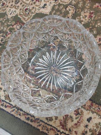 Хрустальная ваза под фрукты