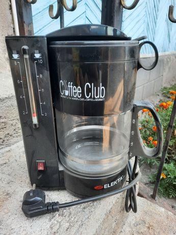 Продам кофеварку.