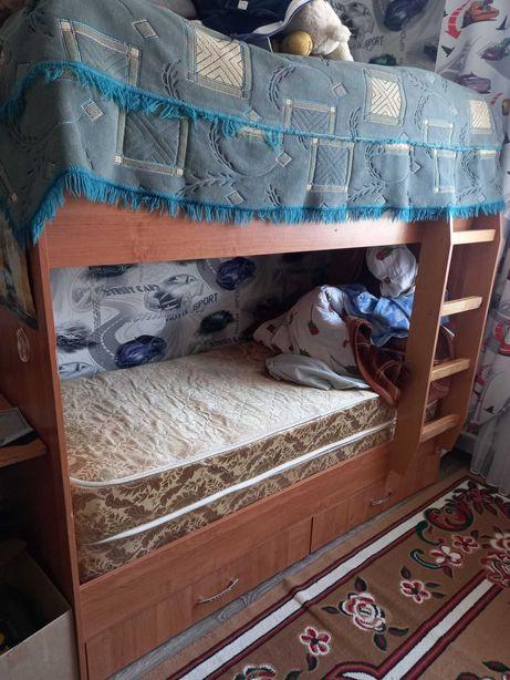 Детская двухярусная кровать с ортопед матрасом