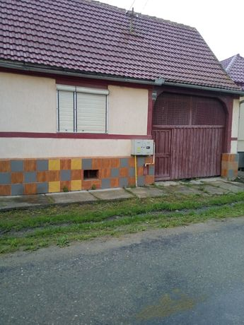 Vând casa la Sacadata langa Avrig