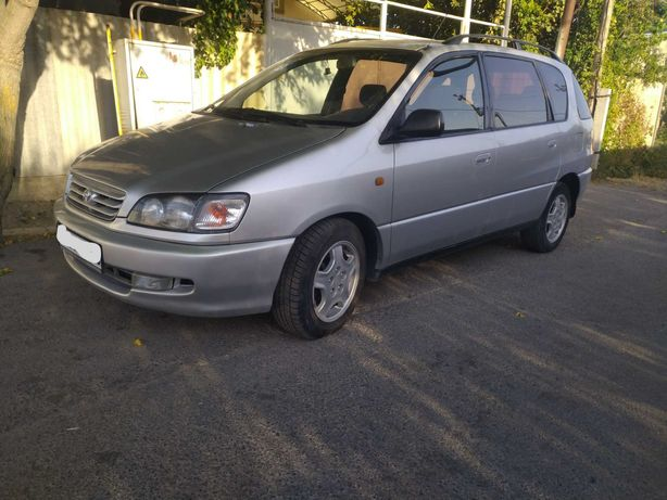 Toyota Picnic 1999г