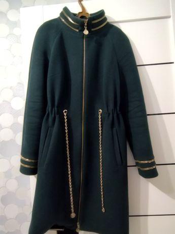 Женские вещи. Пальто и платья