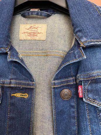 """Джинсовая одежда от """"Levi Strauss"""""""
