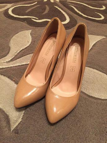 Продам лакированные туфли 35 размера одевала пару раз