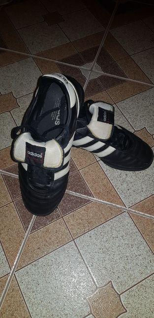 Adidasi Adidas fotbal sala sau sintetic nr 38
