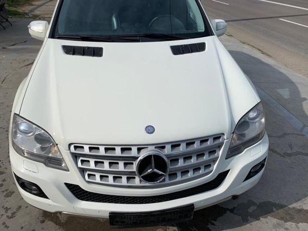 Dezmembrez mercedes ml w164 facelift/bara fata/mercedes ml 350 euro 5