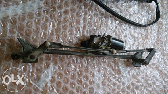 Рамена и моторче + кори за чистачки