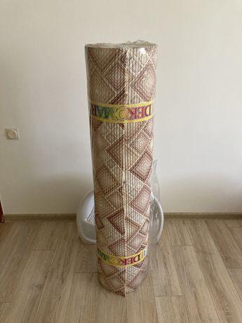 Новый резиновый коврик - 9,5 м.