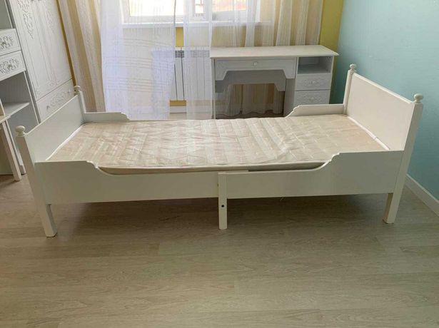 Детские раздвижные кровати от ИКЕА  с матрасами.