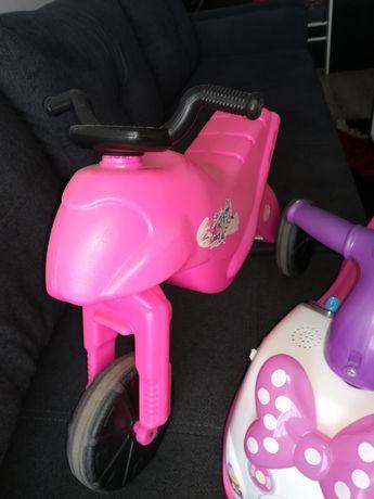 Vând accesorii pentru copii