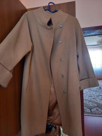 пальтр коричнегого цвета