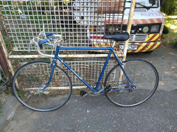 Bicicleta cursiera Favorit originala