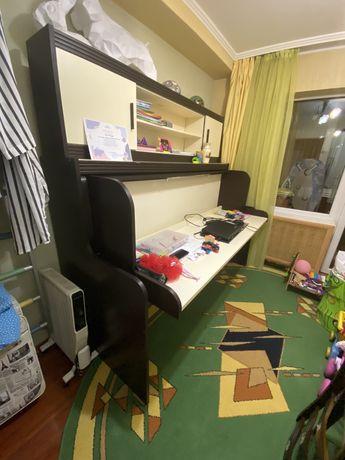 Продам комплект мебели (кровать-стол, полка)