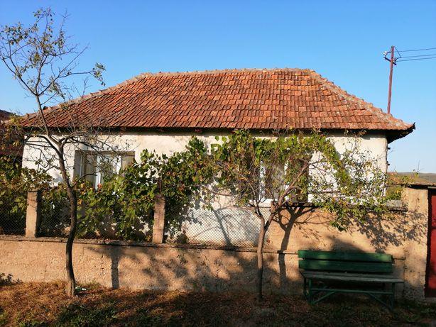 Casă la tara 32 km de Oradea sat Picleu