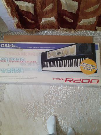 YAMAHA PSR-R200 продам