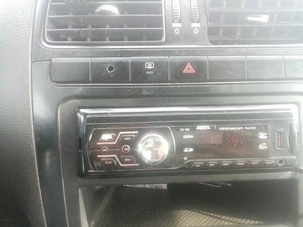Магнитофон на автомобиль