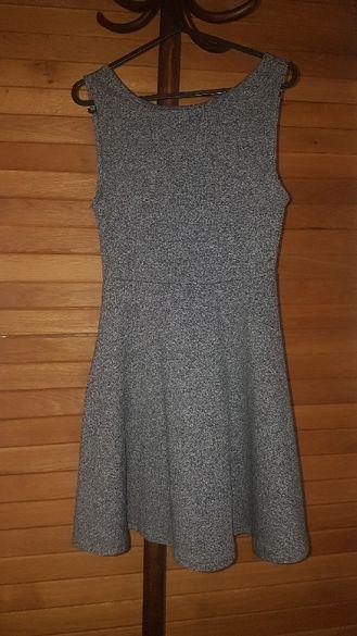 Дамска рокля H&M с изрязан гръб - размер XS
