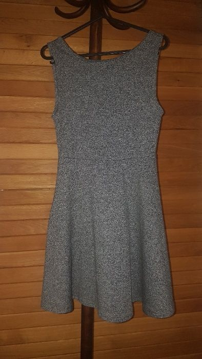 Дамска рокля H&M с изрязан гръб - размер XS гр. Пловдив - image 1