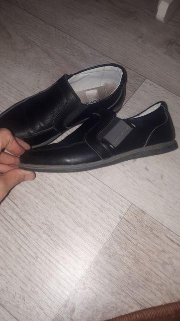 Продам обувь (для мальчика)