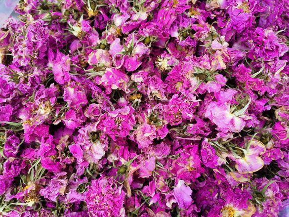 Сушен розов цвят