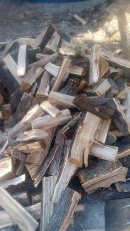 Мелко рубленный дрова