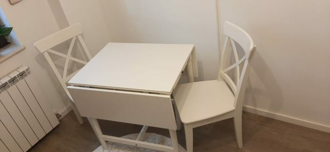 Set masa plianta 6 persoane și 2 scaune