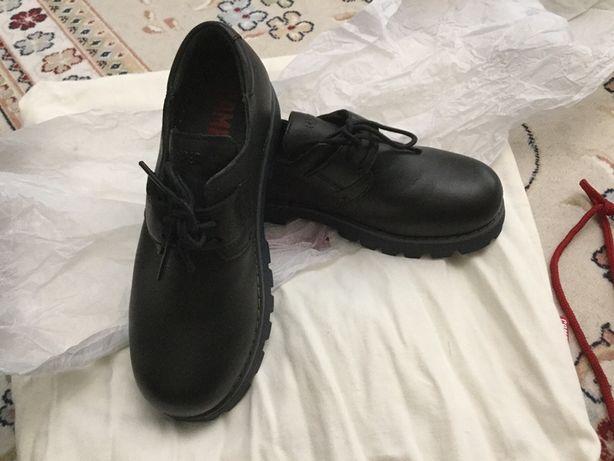 Туфли для мальчиков кожаные новые