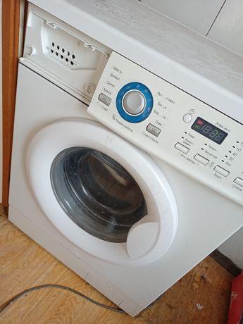 Продам стиральную машину LG 6кг.