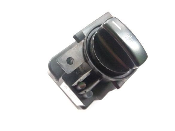 Ключ фарове светлини Мерцедес А140/160 (W169)