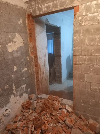 Tăiat tăiere decupare pereti beton armat decopertari gresie etc