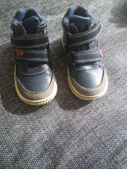 Детски обувки и гуменки