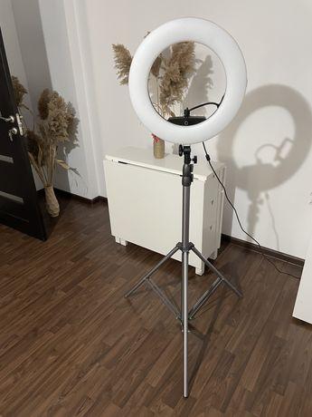 Vand Lampa LED Circulara si trepied