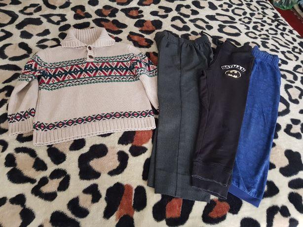 Lot pulover/bluză băieți,pantaloni sport H&M-Batman,6 ani