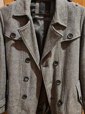 Пальто серого цвета и чёрного цвета