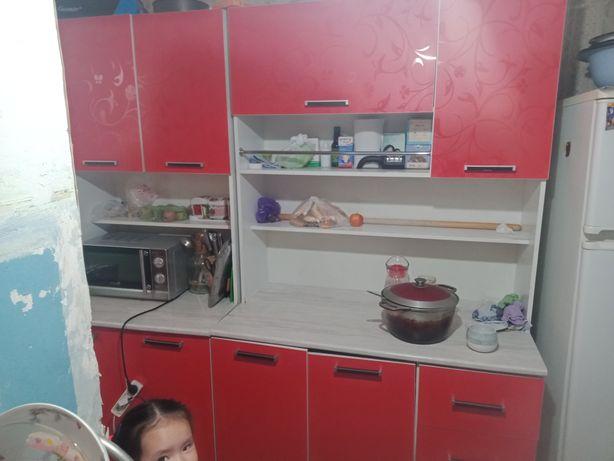 Кухонный гарнитур+ уголок столмен сатылады