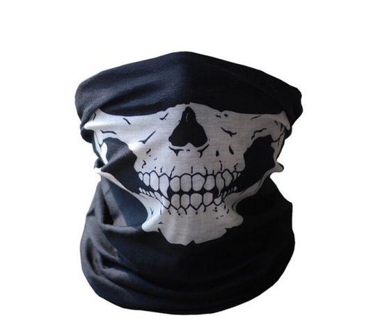 Маска с череп шал