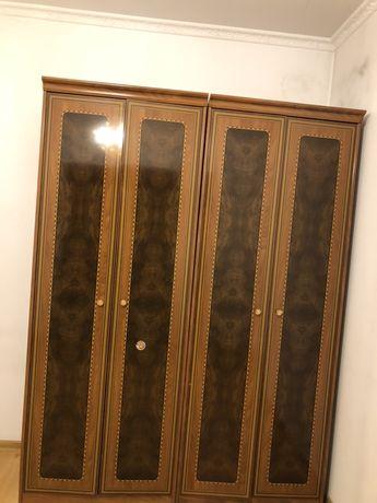 продам 2шкафа , пр-ва Италья, размер 180х160, глубина 55 см, в отлично